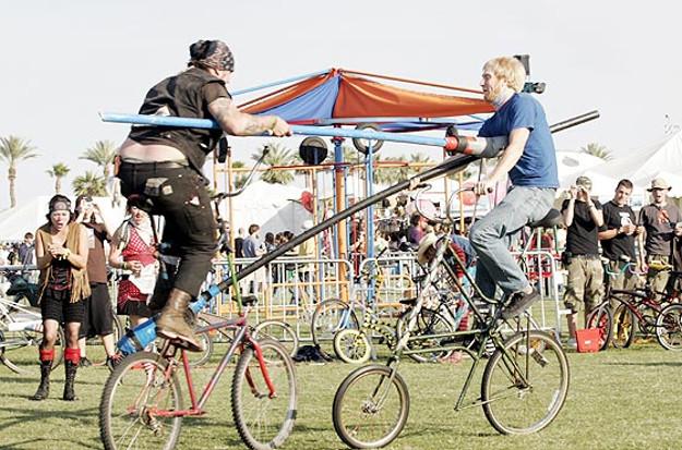 bike jousters