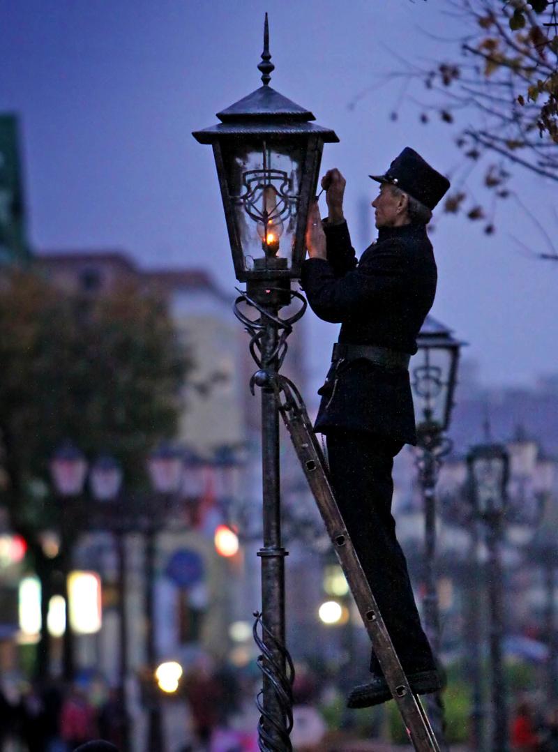 Lamplighter in Belarus